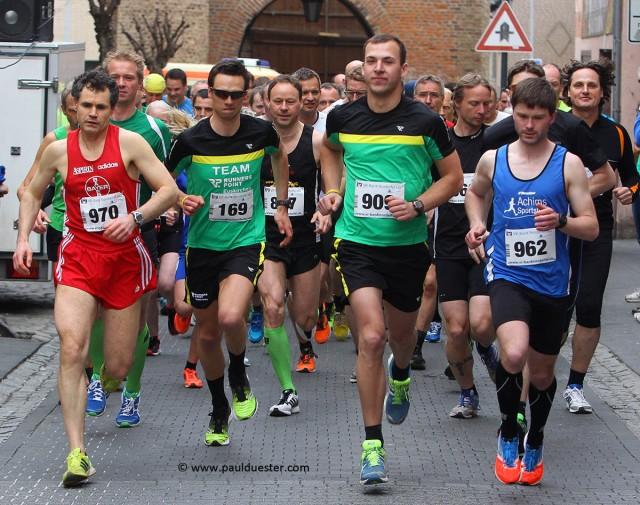 164 Starter nahmen das 10 Kilometer-Renen des 9. Zülpich Chldowiglaufs unter die Schuhe.