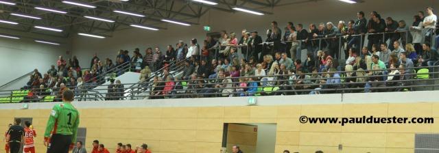 Peter-Weber-Halle war beim Derby zwischen dem TV Kuchenheim und dem TV Euenheim bestens gefüllt.