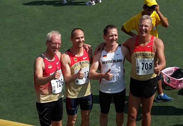 Die goldene 4 x 100 Meter Staffel in der AK 45: Andreas Contag,   Bernd Schauwecker, Roland Gröger und Martin Baranzke (v. l.). Foto: privat