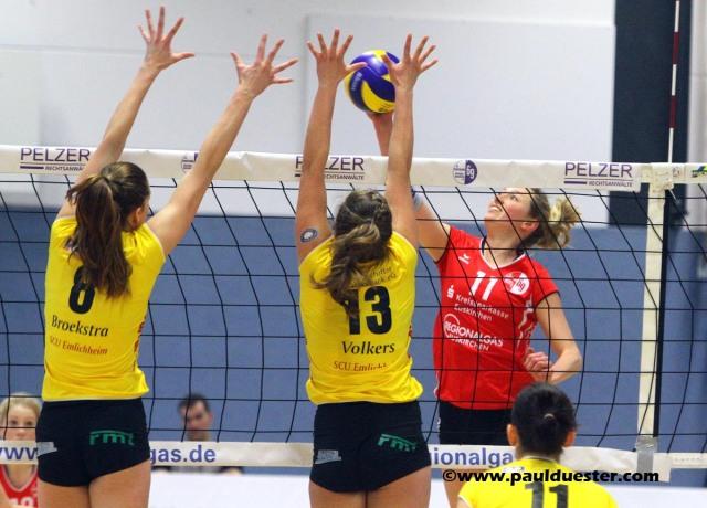 Ruth Flemig (r.) und ihre Teamkolleginnen von der SG Sportfreunde Marmagen-Nettersheim können noch auf den Klassenerhalt in der 2. Bundesliga hoffen.